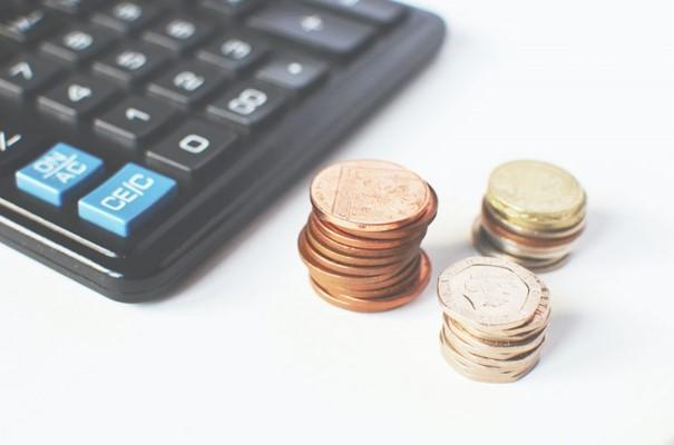 Altijd handig wat geld achter de hand voor calamiteiten, werkeloosheid of wanneer er iets kapot gaat.