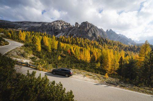 Autoverzekering, kies voor een merk die past binnen je budget en ook qua wegenbelasting en verzekering te betalen is.